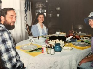 1980s Homeschoolers sitting around the dinner table