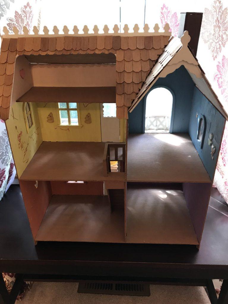 Old Dollhouse DIY